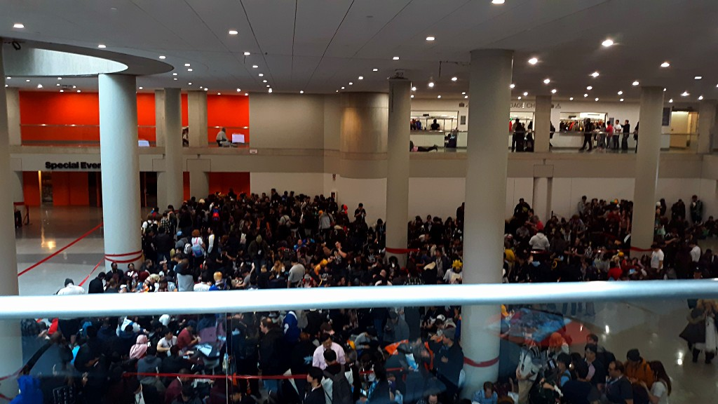 Insane crowds for the Weathering With You premiere at Anime NYC